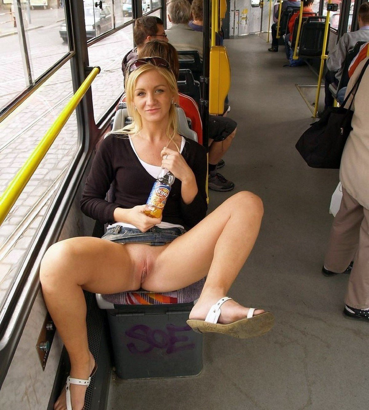 Friends Flashing In Public Porn Shaved Pussy Flashing Showing Images For Clothed Upskirt Shaved